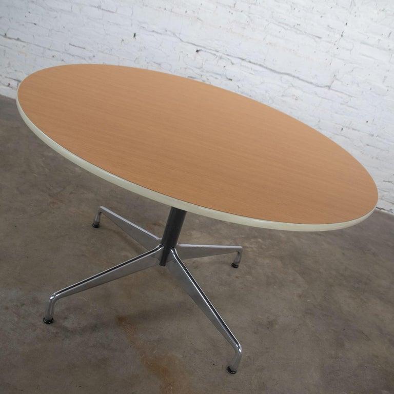 Aluminum Eames Herman Miller Round Table Universal Base Wood Grain Laminate Top For Sale