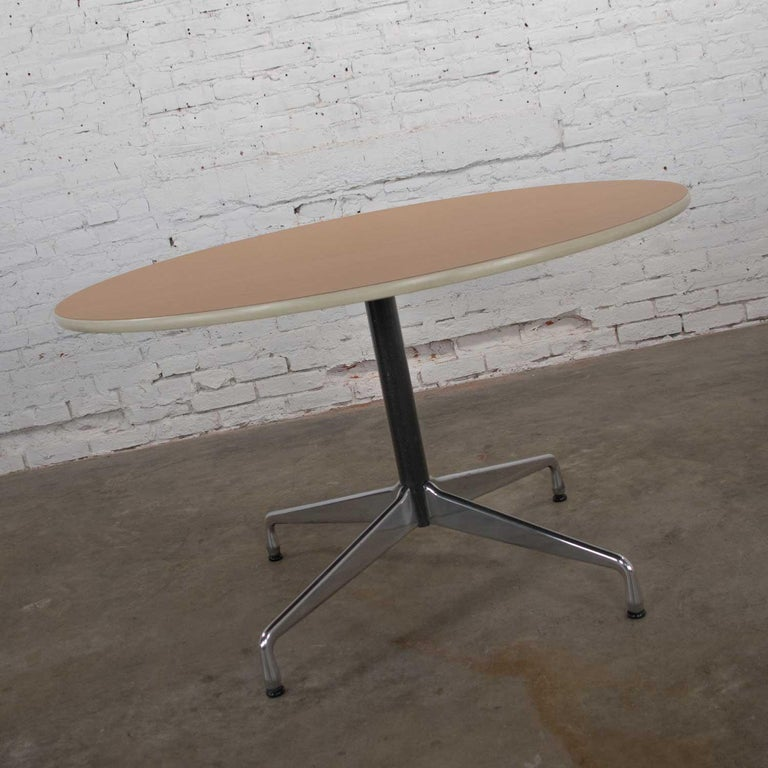 Eames Herman Miller Round Table Universal Base Wood Grain Laminate Top For Sale 1