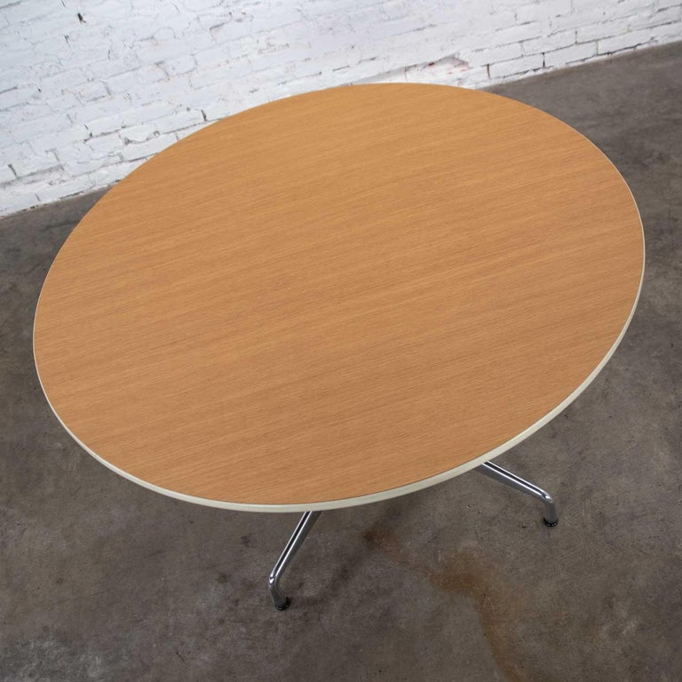 Eames Herman Miller Round Table Universal Base Wood Grain Laminate Top For Sale 2