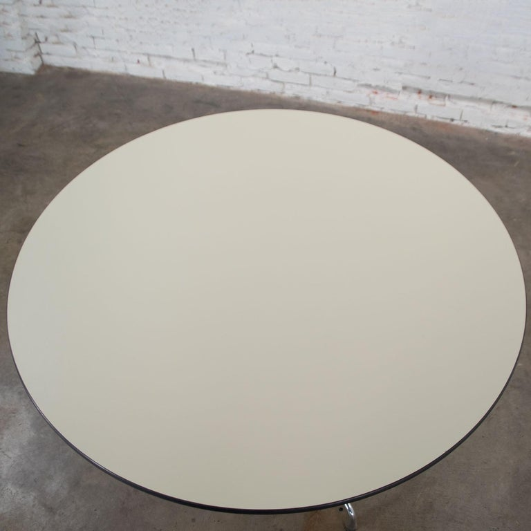 Eames Herman Miller Universal Base Round Table Off-White Laminate Top For Sale 2