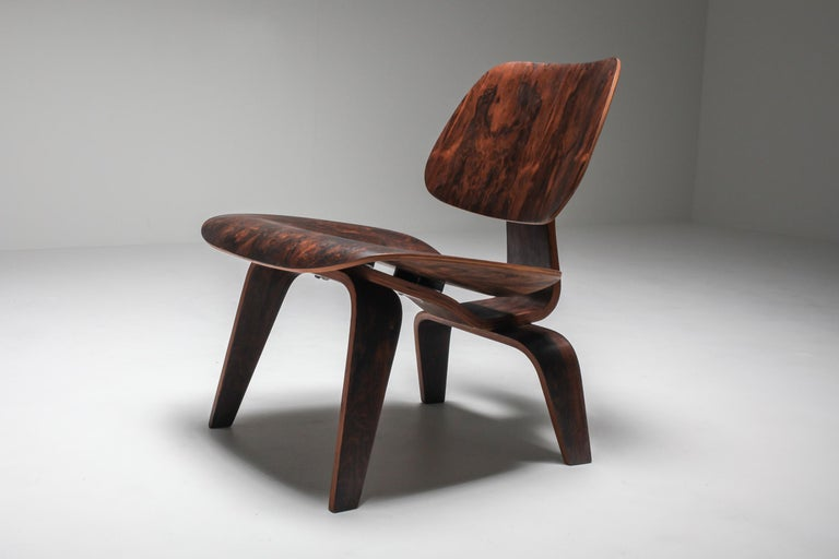 Aluminum Eames LCW Pre-Production in Rio Rosewood For Sale