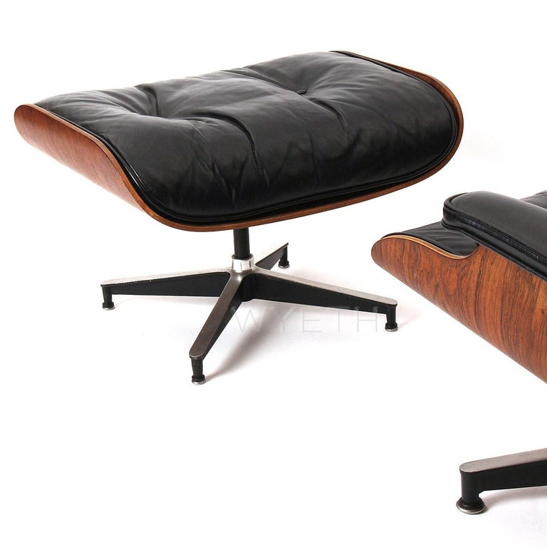 Mid-Century Modern Eames Leather Lounge Chair and Ottoman For Sale