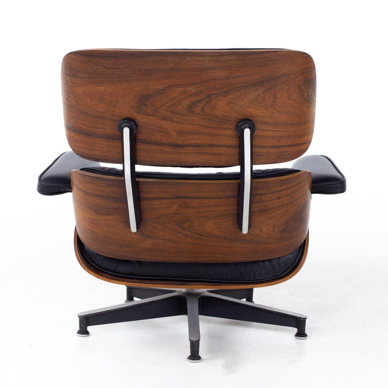 Eames Mid Century Lounge Chair and Ottoman For Sale 5