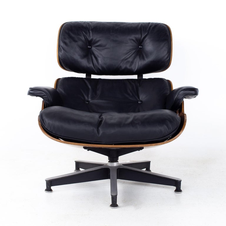 Late 20th Century Eames Mid Century Lounge Chair and Ottoman For Sale
