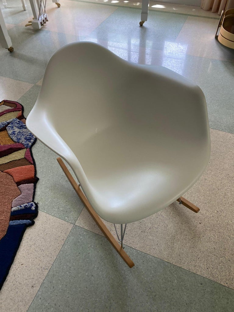 Eames Molded Armchair, Rocker Base designed by Charles and Ray Eames For Sale 1