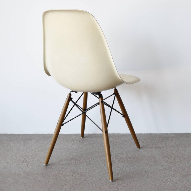 American Eames Parchment DSW Herman Miller For Sale