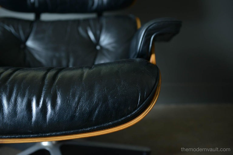 Eames Rosewood Lounge Chair and Ottoman, circa 1971 In Good Condition In Costa Mesa, CA