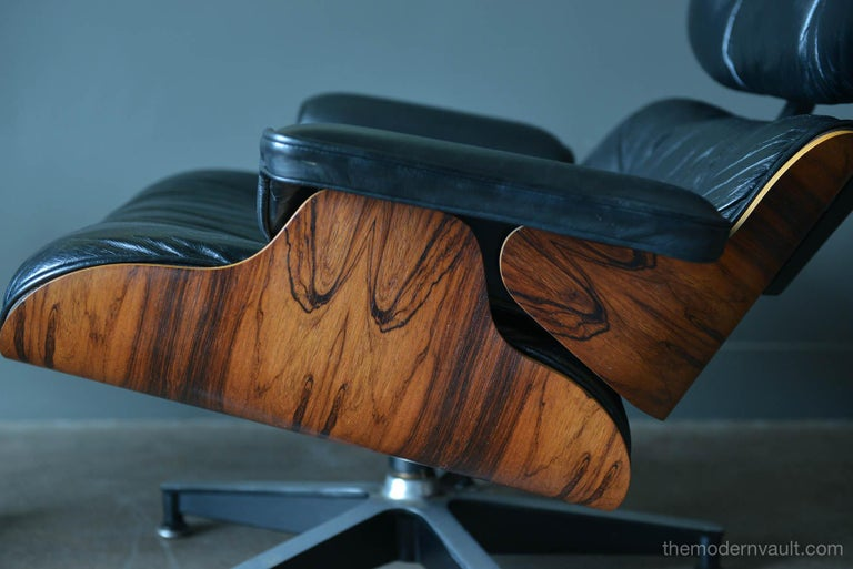 Leather Eames Rosewood Lounge Chair and Ottoman, circa 1971