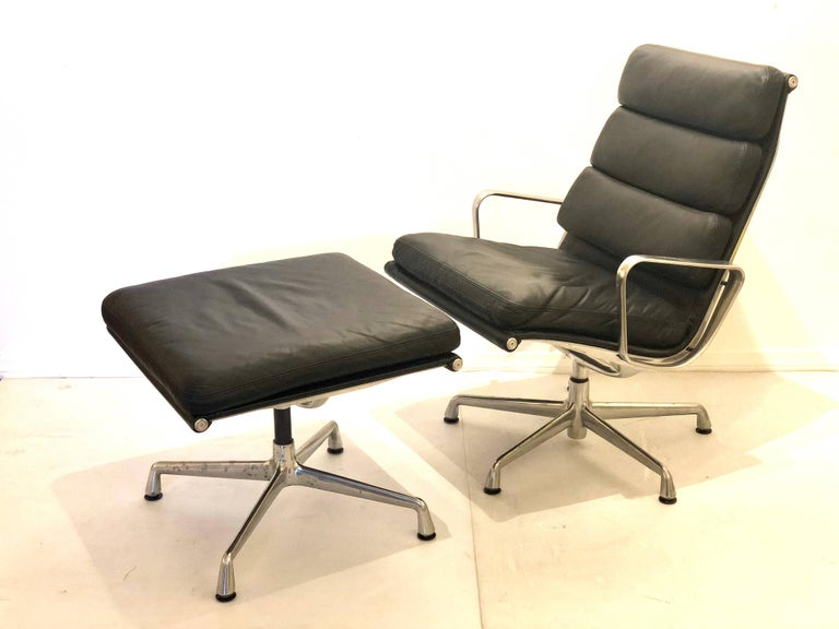 Mid-Century Modern Eames Soft Pad Executive Aluminum Group Chair & Ottoman by Herman Miller For Sale