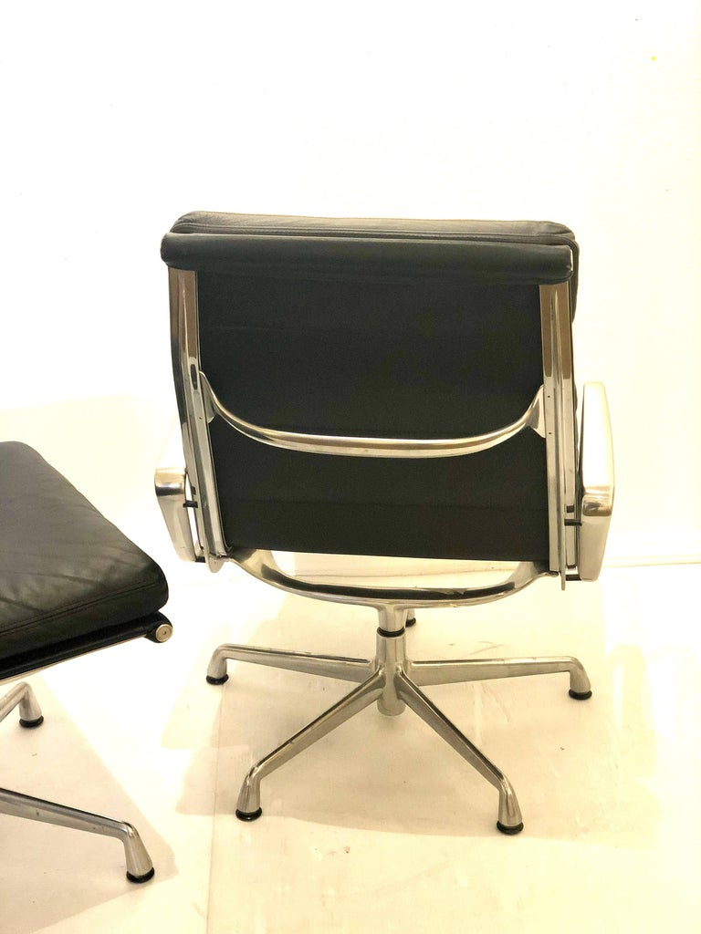 American Eames Soft Pad Executive Aluminum Group Chair & Ottoman by Herman Miller For Sale