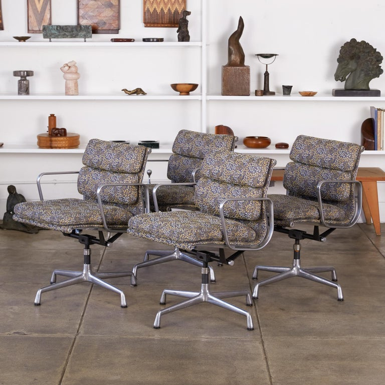 Mid-Century Modern Eames Soft Pad Management Chairs for Herman Miller