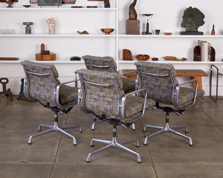 Late 20th Century Eames Soft Pad Management Chairs for Herman Miller