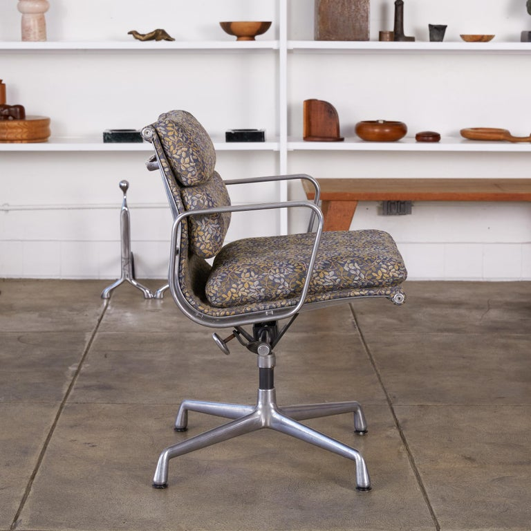 Eames Soft Pad Management Chairs for Herman Miller 2