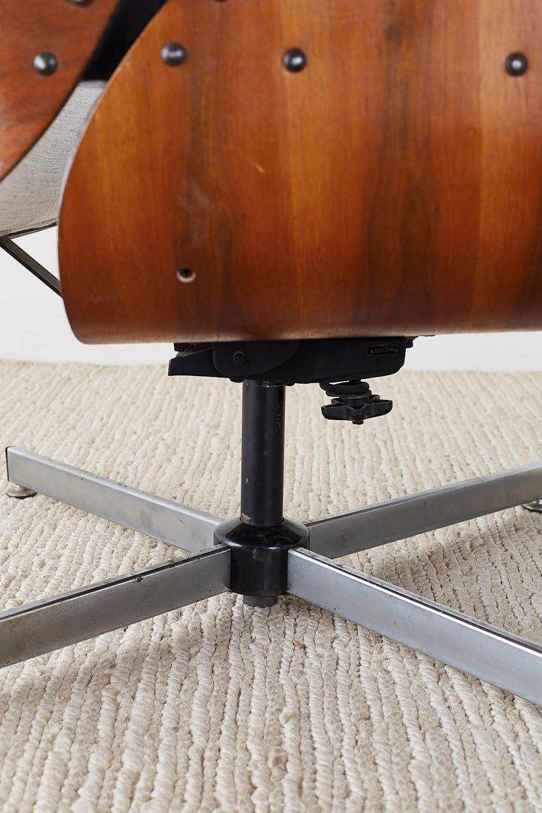 Eames Style Lounge Chair and Ottoman by Plycraft For Sale 5