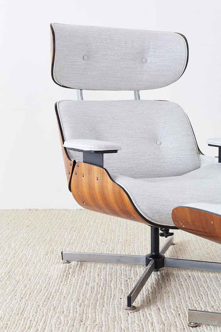 Eames Style Lounge Chair and Ottoman by Plycraft In Good Condition For Sale In Rio Vista, CA