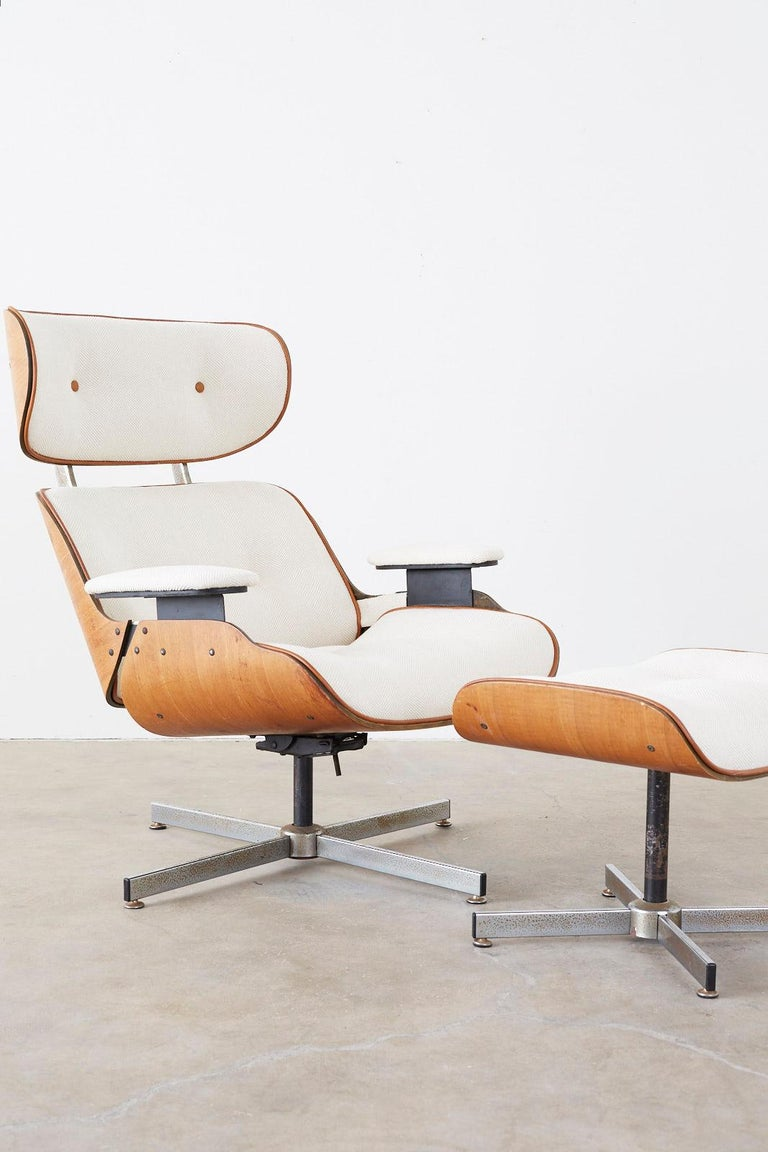 Eames Styles Lounge Chair and Ottoman by Plycraft In Good Condition For Sale In Rio Vista, CA