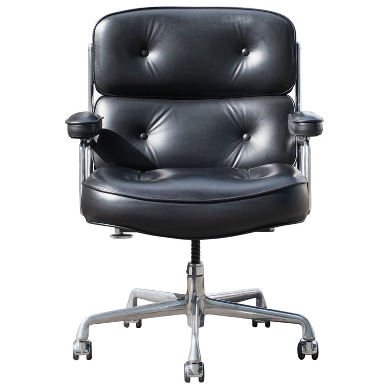 "Eames ""Time-Life"" Executive Chair by Charles & Ray Eames for Herman Miller For Sale"