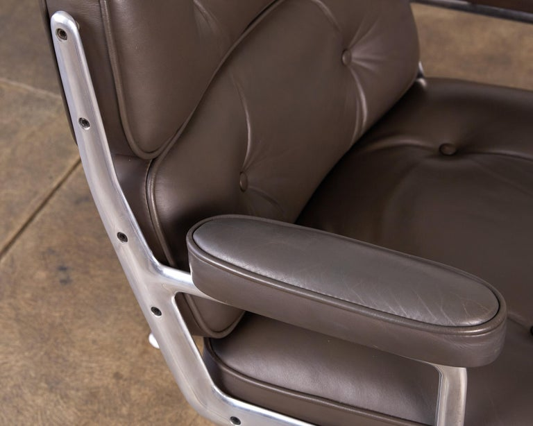 Eames Time Life Lobby Chair for Herman Miller For Sale 3