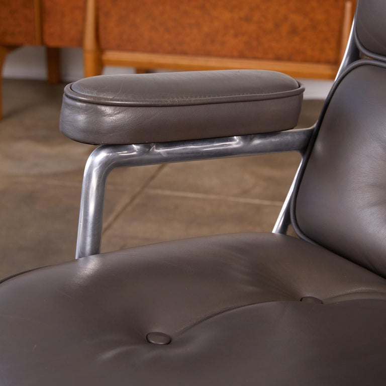 Eames Time Life Lobby Chair for Herman Miller For Sale 4