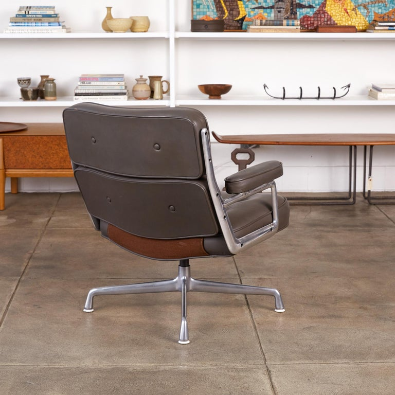 Mid-Century Modern Eames Time Life Lobby Chair for Herman Miller For Sale