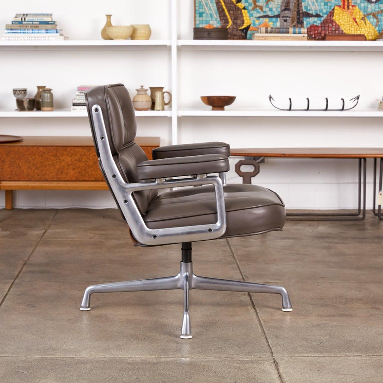 American Eames Time Life Lobby Chair for Herman Miller For Sale