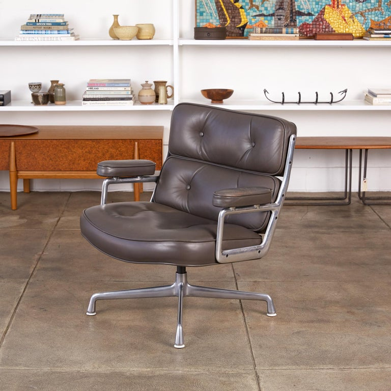 Aluminum Eames Time Life Lobby Chair for Herman Miller For Sale