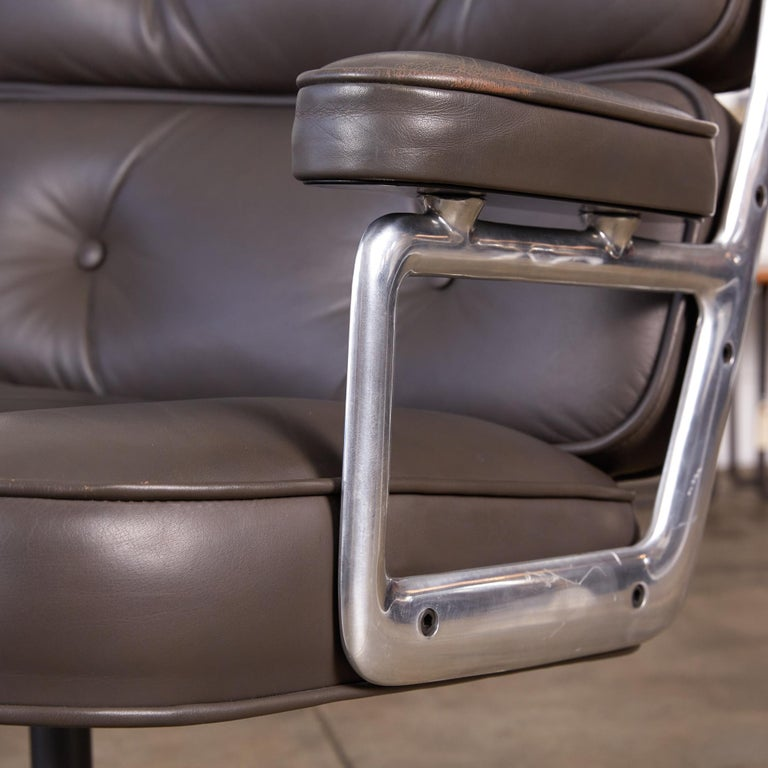 Eames Time Life Lobby Chair for Herman Miller For Sale 1