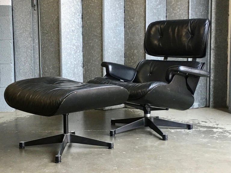 Eames Vitra 670 and 671 Black Nero Leather Lounger and Footstool in Black Ash For Sale 4