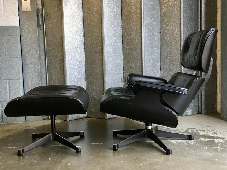 Eames Vitra 670 and 671 Black Nero Leather Lounger and Footstool in Black Ash For Sale 2