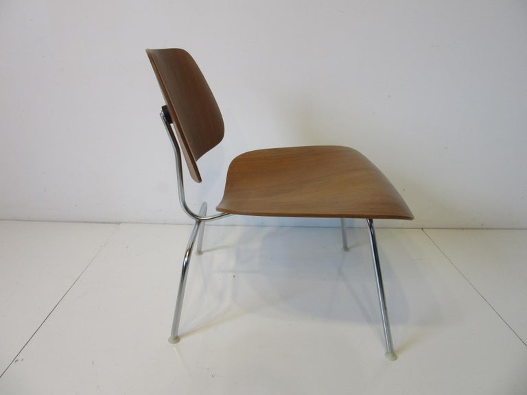 American Eames Walnut / Chrome LCM 'Lounge Chair Metal' for Herman Miller 'B' For Sale