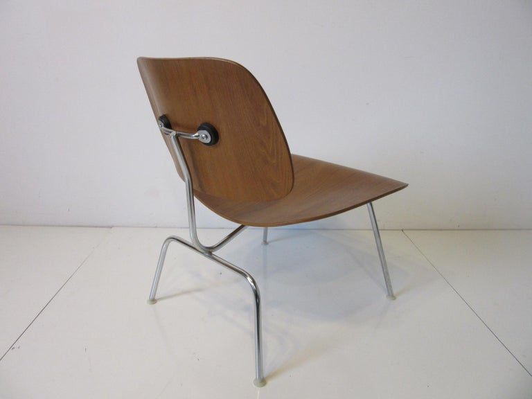 Eames Walnut / Chrome LCM 'Lounge Chair Metal' for Herman Miller 'B' In Good Condition For Sale In Cincinnati, OH
