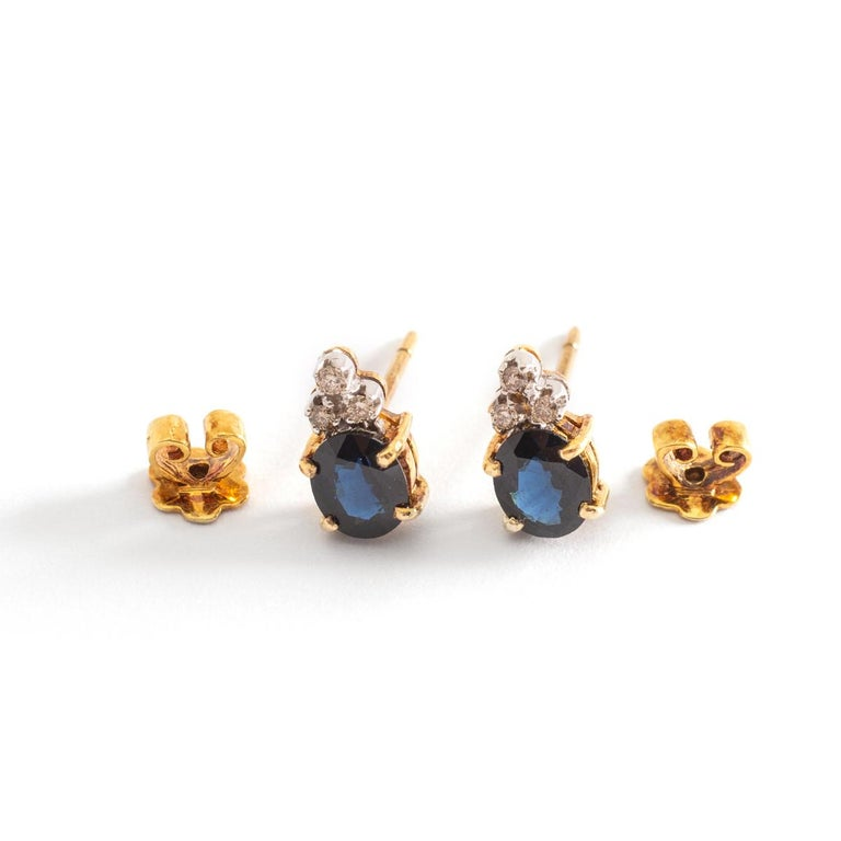 Ear Studs Earrings Sapphire Diamond Yellow Gold In Good Condition For Sale In Geneva, CH