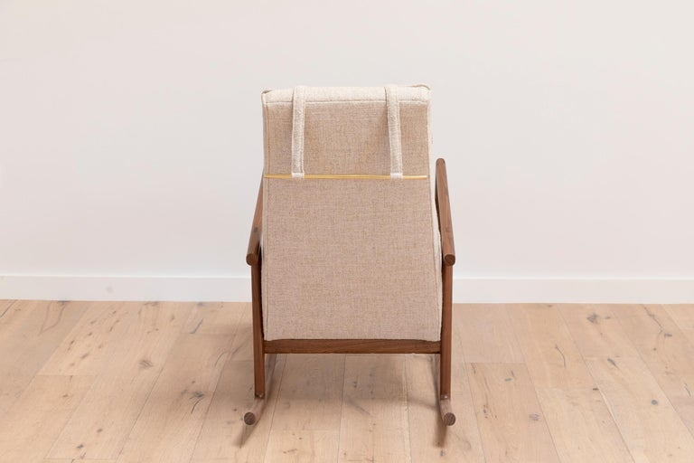 Earl Walnut, Ivory Textured Linen Moresby Rocking Chair For Sale 2