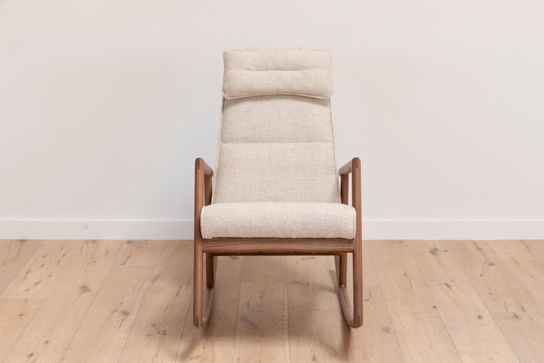 Oak Earl Walnut, Ivory Textured Linen Moresby Rocking Chair For Sale