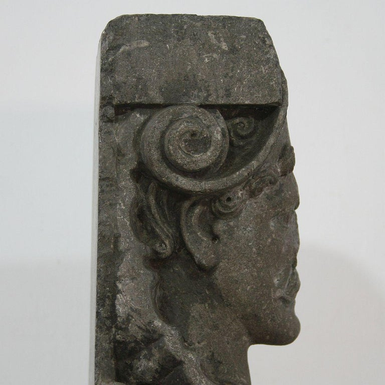 Early 17th Century Carved Stone Renaissance Bust For Sale 4