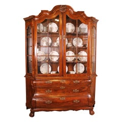 Early 18 Century Dutch Display Cabinet in Walnut