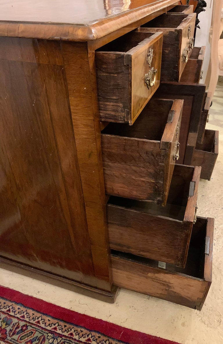 Early 18th-19th Century George lll Knee Hole Desk Writting Table For Sale 5