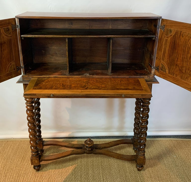 Early 18th Century Burl Walnut Cabinet on Stand For Sale 6