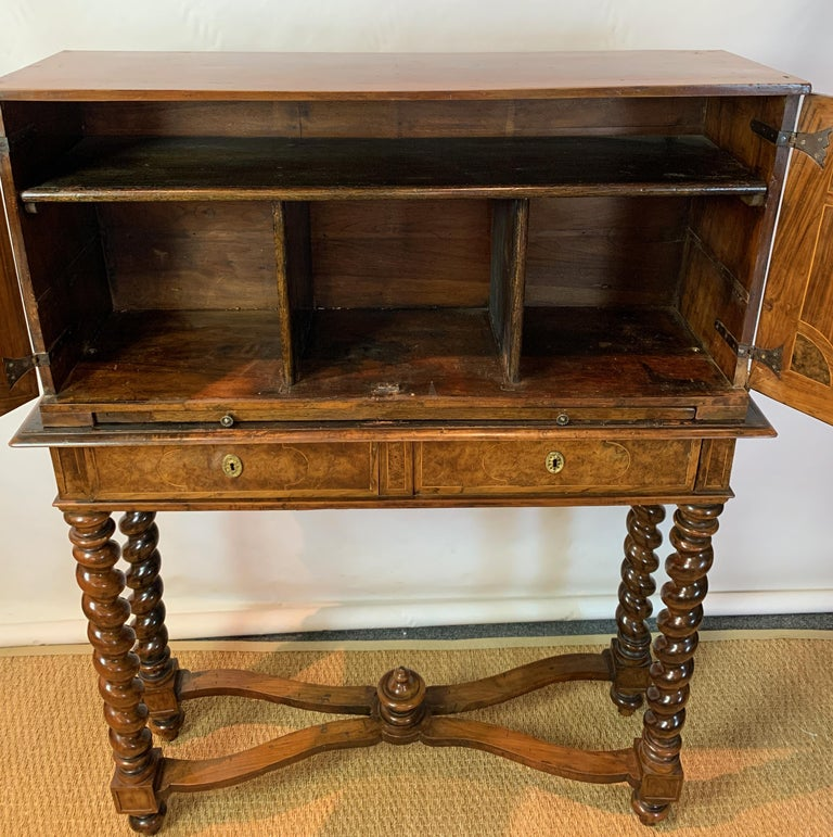 Early 18th Century Burl Walnut Cabinet on Stand For Sale 8