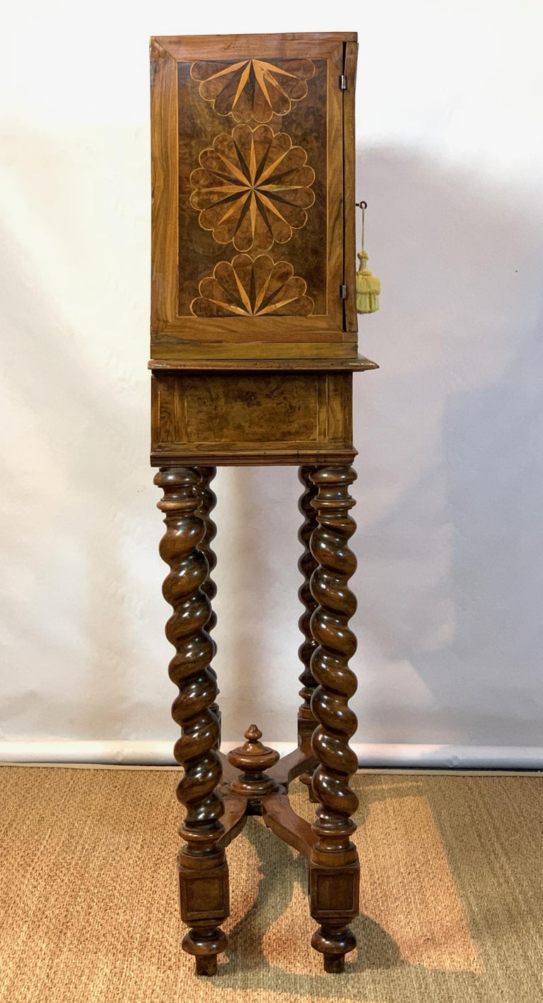 Early 18th Century Burl Walnut Cabinet on Stand For Sale 1