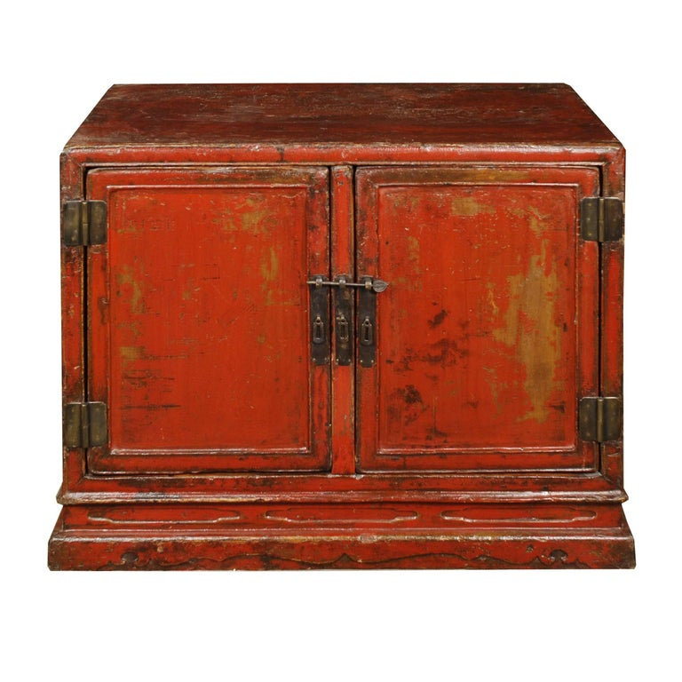 Early 18th Century Chinese Red Lacquer Cabinet For Sale