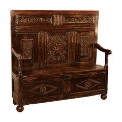 Early 18th Century English Oak Settle