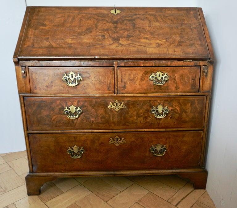 Early 18th Century English Walnut Veneered Stepped Interior Georgian Bureau Desk For Sale 14