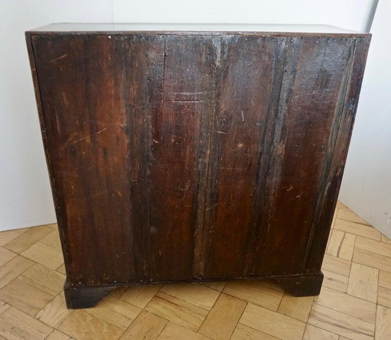 Early 18th Century English Walnut Veneered Stepped Interior Georgian Bureau Desk For Sale 2