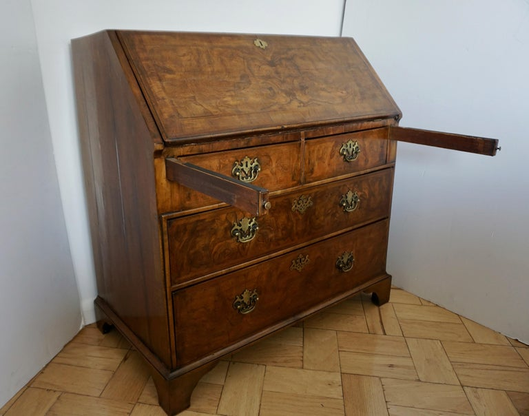 Early 18th Century English Walnut Veneered Stepped Interior Georgian Bureau Desk For Sale 3