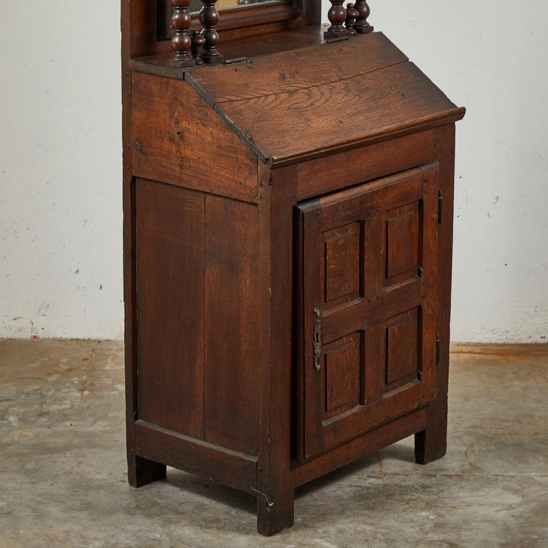 Early 18th Century French Petite Secretaire or Bureau with Projecting Cabinet For Sale 2