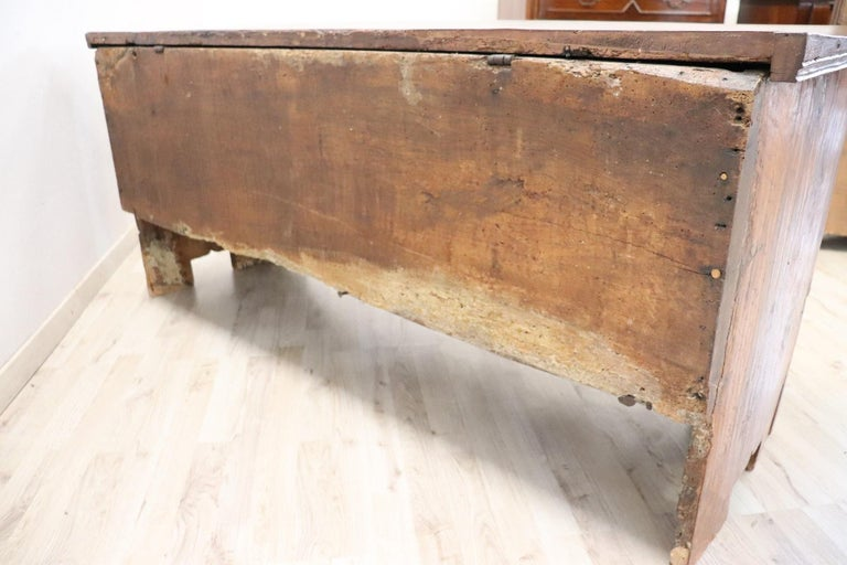 Early 18th Century Italian Solid Walnut Wood Blanket Chest For Sale 9