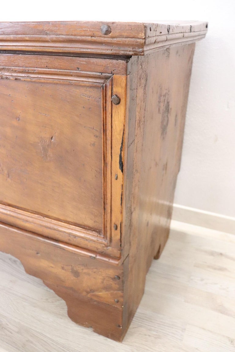 Early 18th Century Italian Solid Walnut Wood Blanket Chest For Sale 2