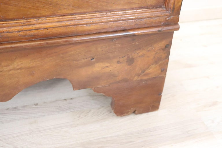 Early 18th Century Italian Solid Walnut Wood Blanket Chest For Sale 3