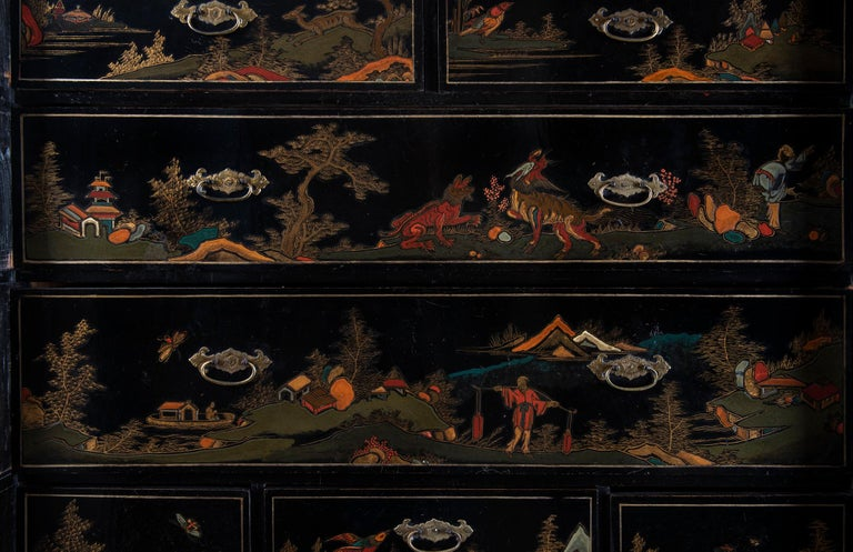 A Late 18th to Early 19th Century Large Chinoiserie Black Lacquer Cabinet For Sale 2